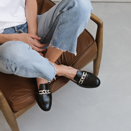 Mocassins with silver buckle in black leather