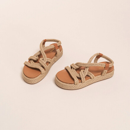 Sandals with cross-over straps in beige rope