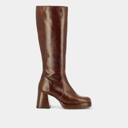 Platform boots in aged brown leather