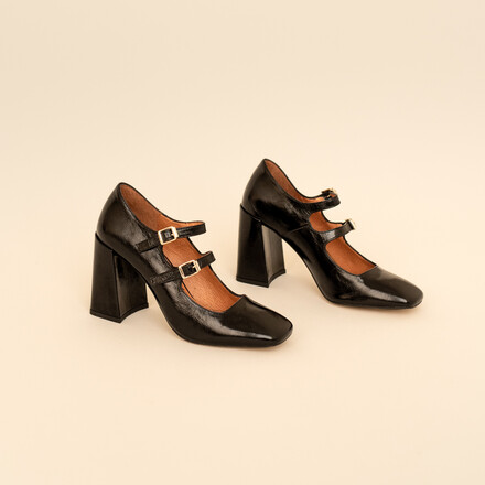 Heeled mary jane with straps in black leather