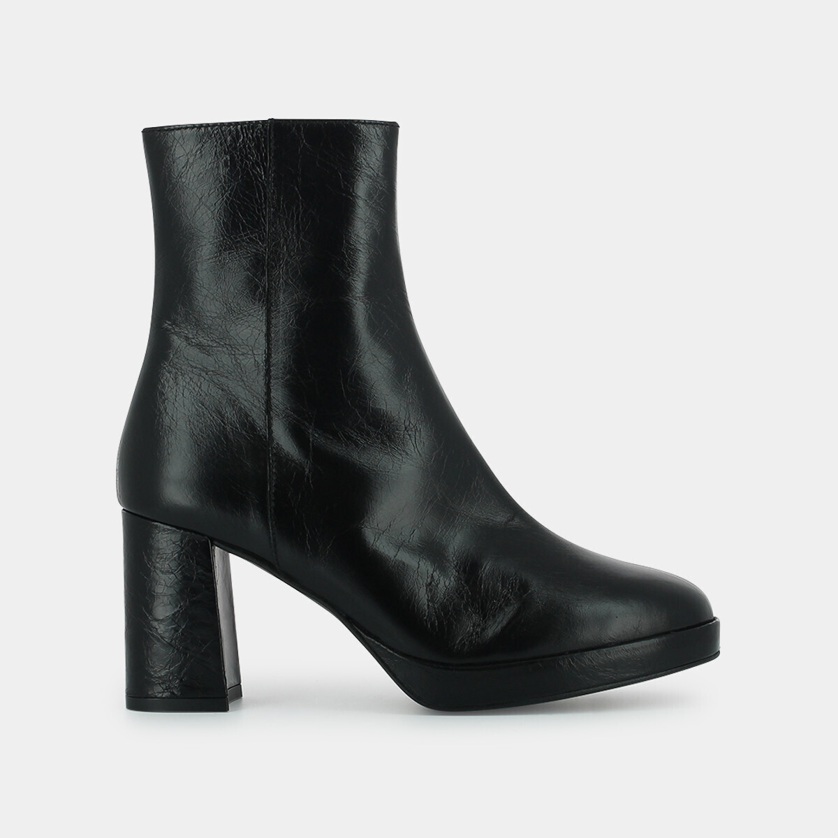 Ankle boots with heel and rounded toe in black leather - Jonak noir